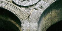 Clípeo del mirador occidente de la planta noble de Santa María d