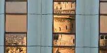 Reflejo del Bastión de los Pescadores en el hotel Hilton, Budape