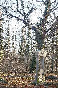 Lápida en el Cementerio de Kerepesi, Budapest, Hungría