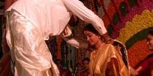 Atado del thaali en una boda india