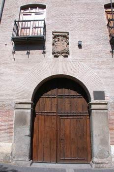 Portón de edificio