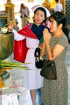 Enfermera con uniforme, Tailandia