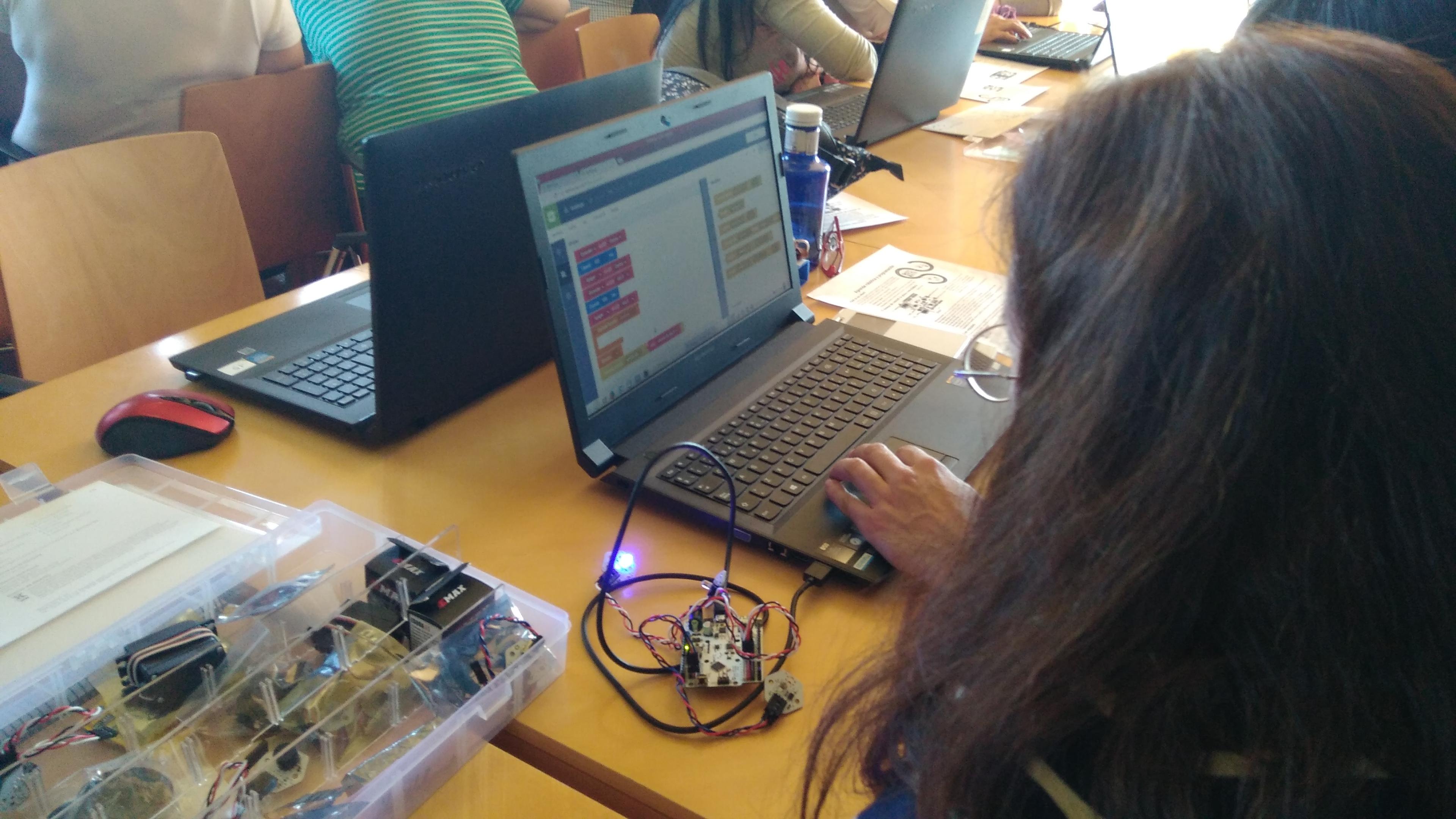 I Jornada de Programación, Robótica e Impresión 3D en educación para adultos. 04-04-2017 38