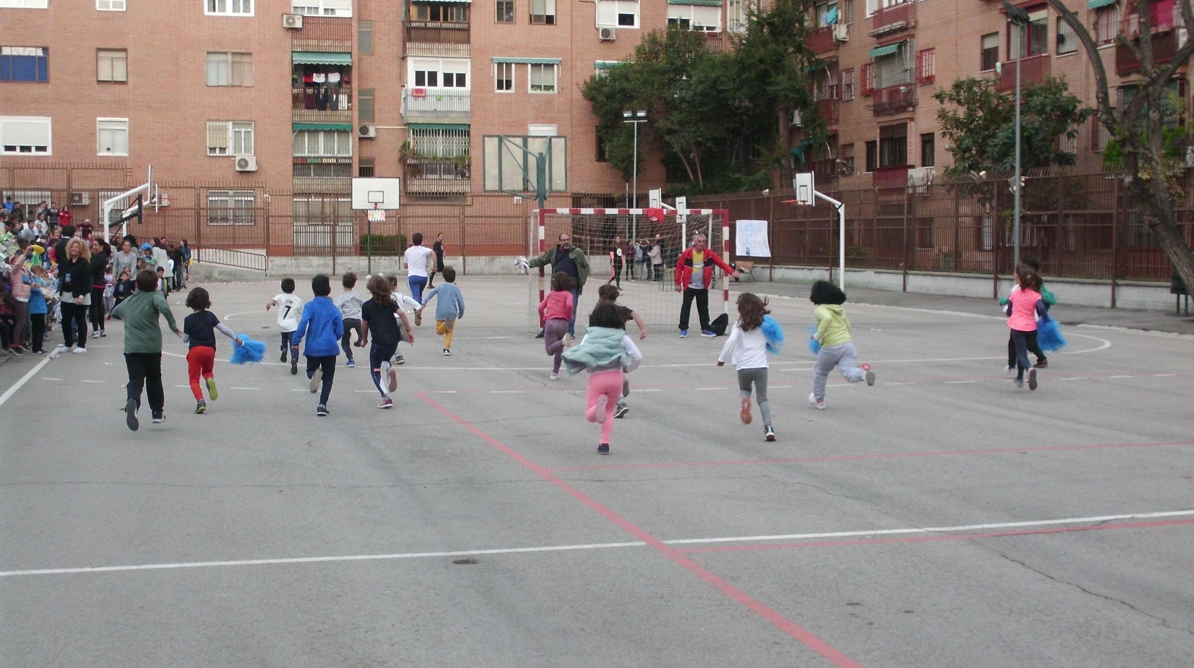 UNO ENTRE CIEN MIL. TODOS CONTRA EL CÁNCER INFANTIL