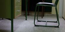 Mesa y silla de profesor