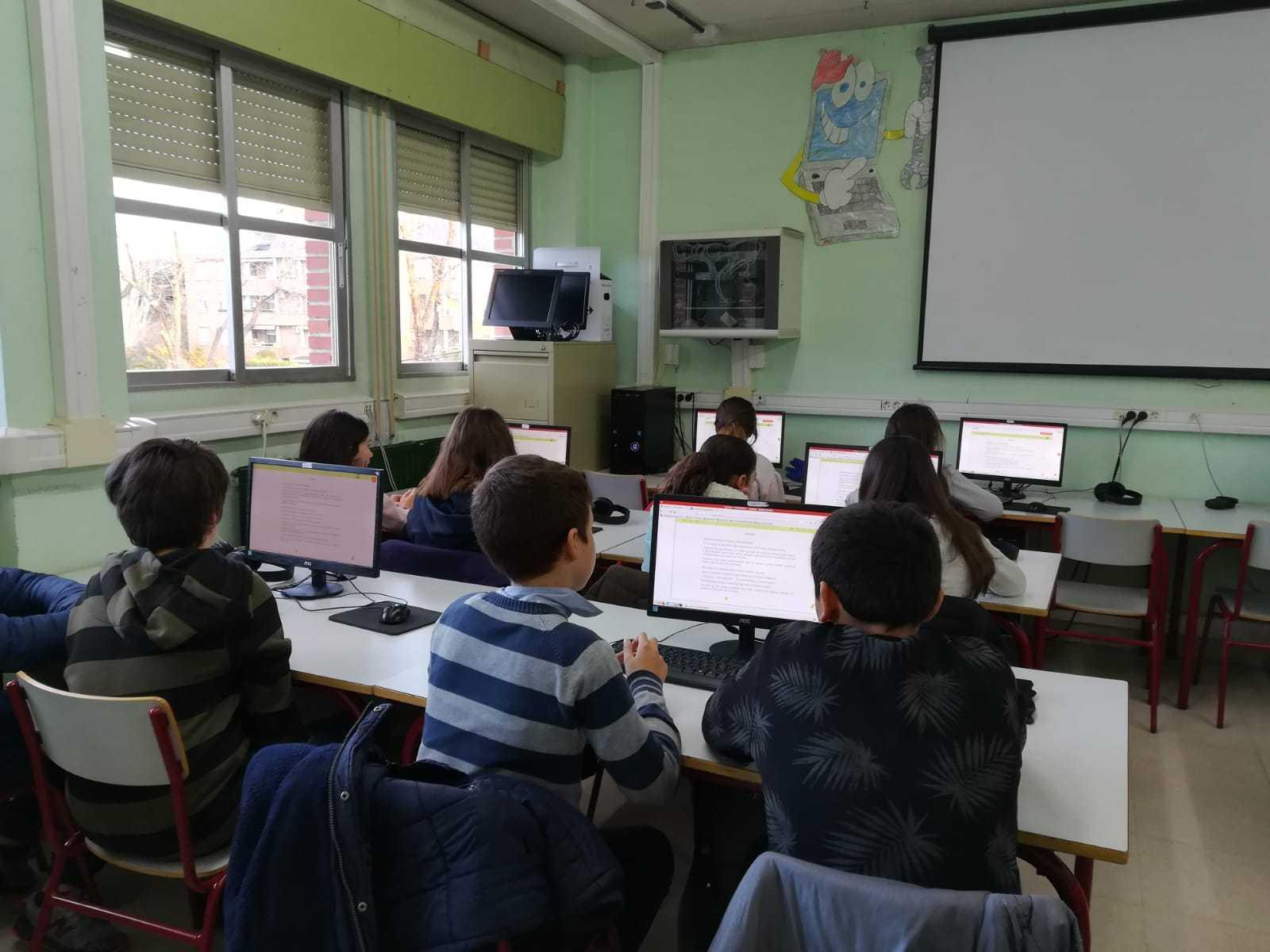2019_01_25_Sexto A disfruta con el Proyecto Leemos de Lectura Online  2