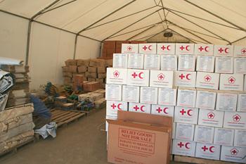 Almacén de productos de la Cruz Roja, Melaboh, Sumatra, Indonesi