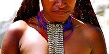 Mujer con decoración sencilla, Irian Jaya, Indonesia