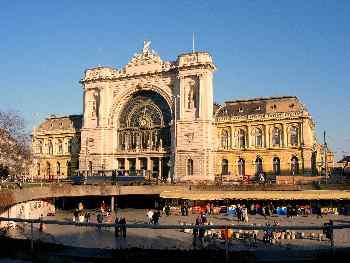 Estación de Keletipu y mercado, Budapest, Hungría