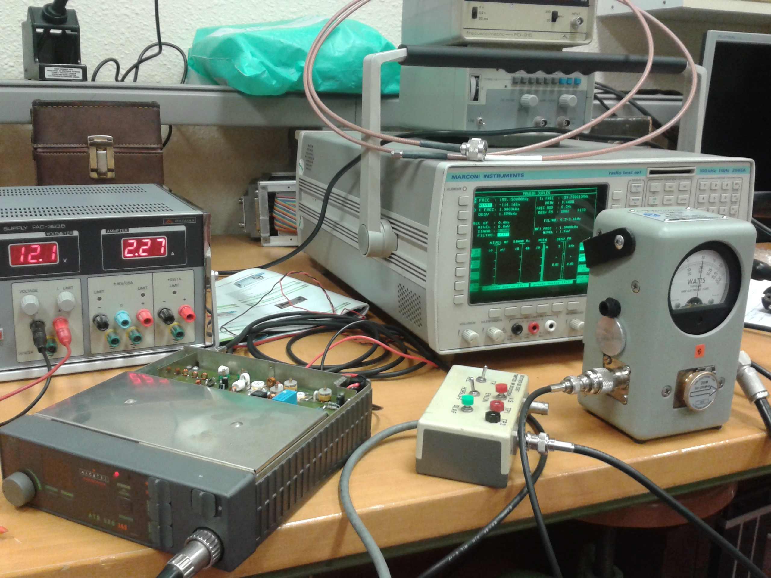 Ajuste de potencia de emisión en emisora de radio m&oacut