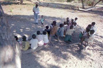 Niños en escuela rural, Nacala, Mozambique