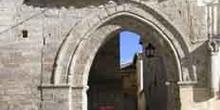 Arco exterior de la Iglesia de Santiago, Carrión de los Condes,
