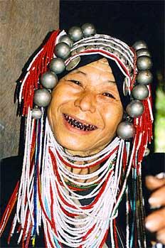 Mujer con dientes tintados, Tailandia