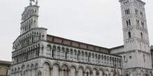Iglesia y plaza de San Michele, Lucca
