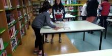 2019_04_04_Quinto visita la Biblioteca de Las Rozas_CEIP FDLR_Las Rozas 5