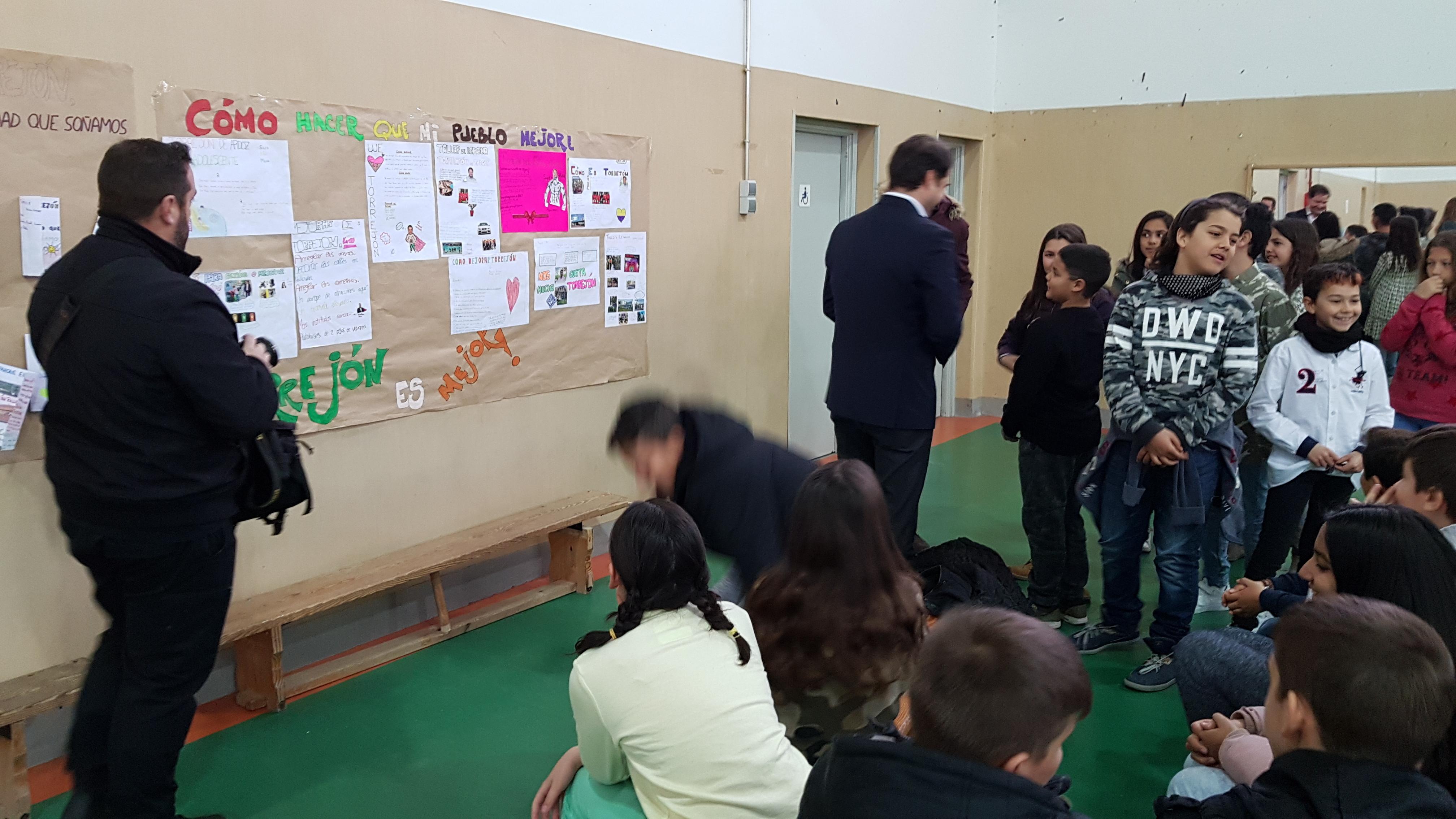 Visita del Alcalde de Torrejón de Ardoz al CEIP Andrés Segovia 4