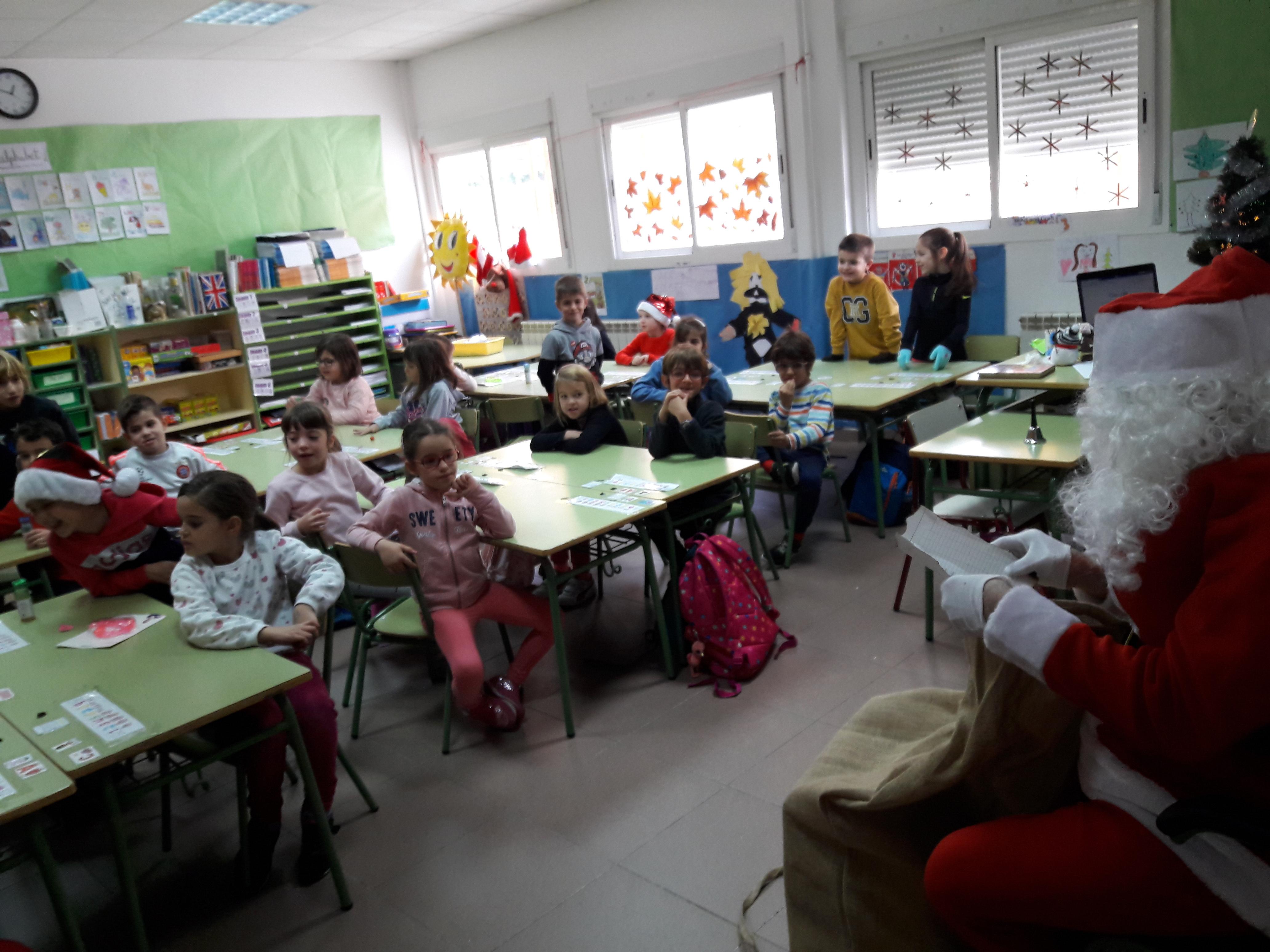 Santa Claus comes to School 1
