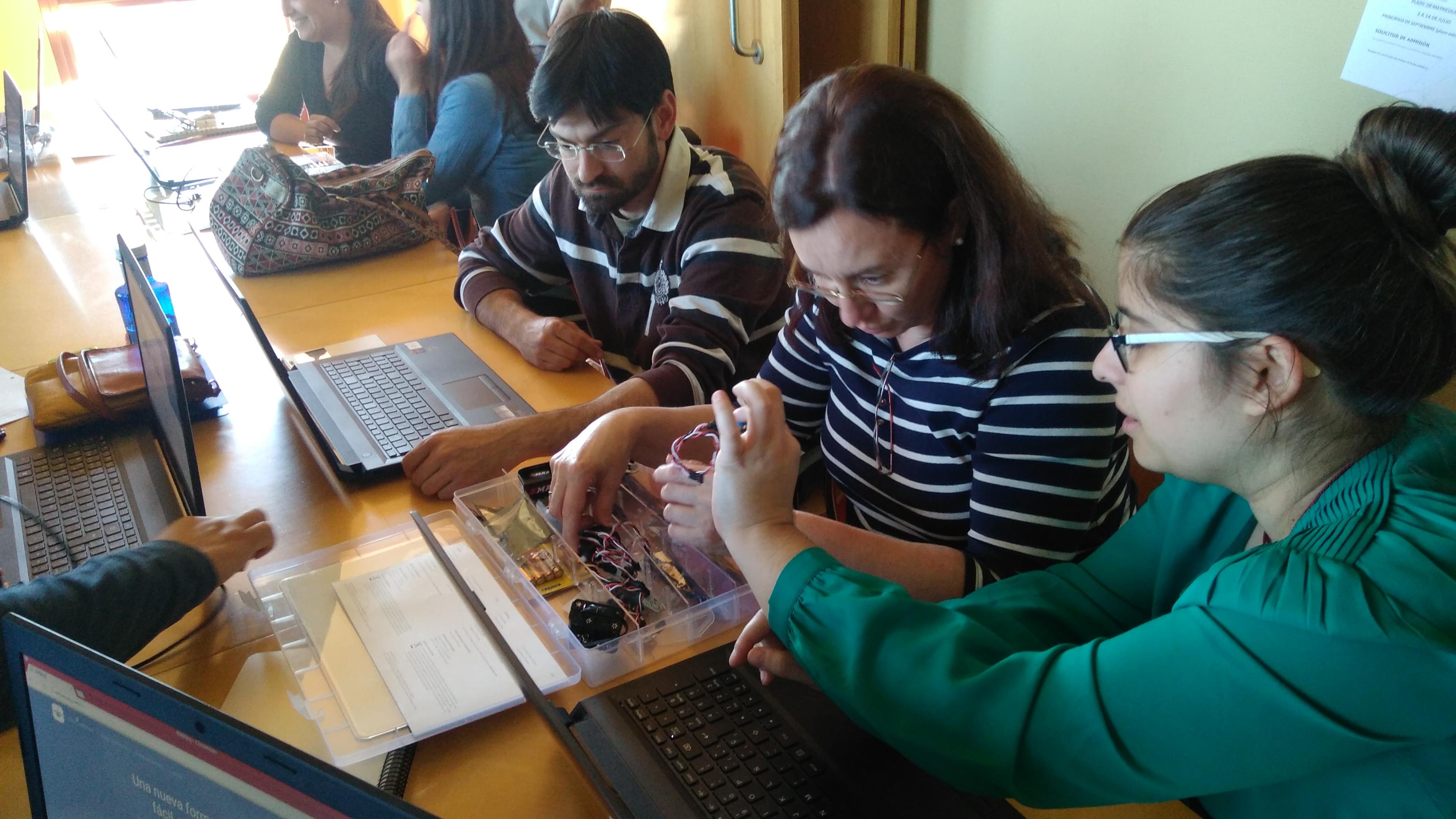I Jornada de Programación, Robótica e Impresión 3D en educación para adultos. 04-04-2017 32