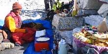 Comienzo de ceremonia: Puja de bendición de una expedición