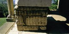 Inscripción en el ara del mirador de Santa María de Naranco, Ovi