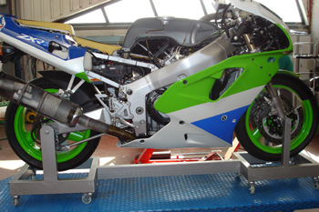 Motocicleta de carretera. Sección de elementos