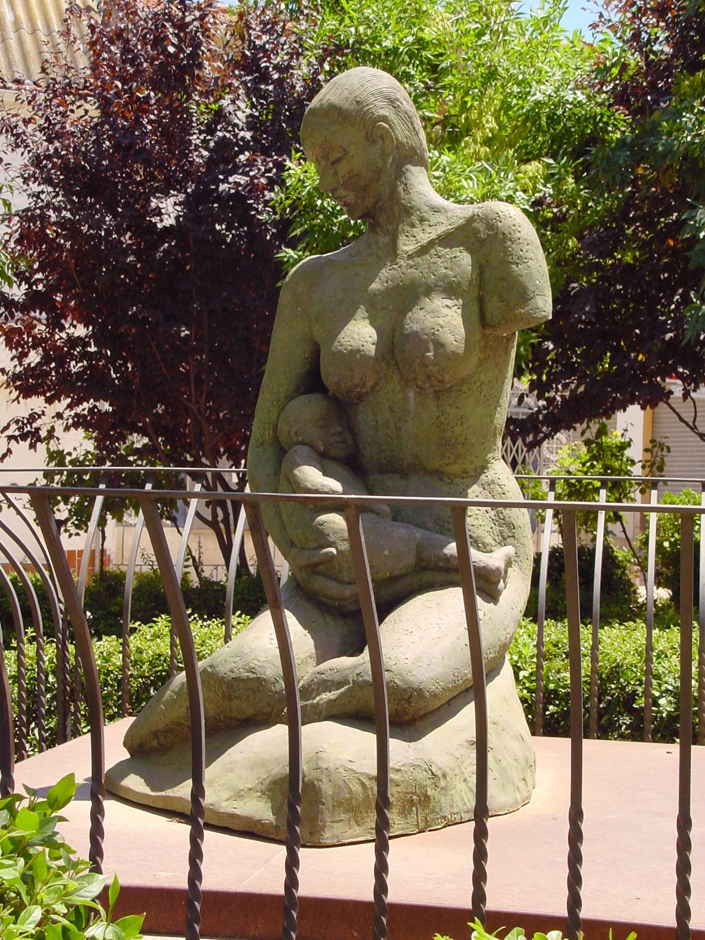 Escultura en Velilla de San Antonio