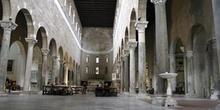 Nave central de la Basílica de San Ferdiano, Lucca