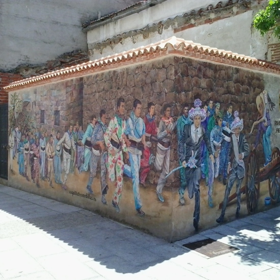 Por la ruta de las CASAS VIVAS en Fresnedillas de la Oliva