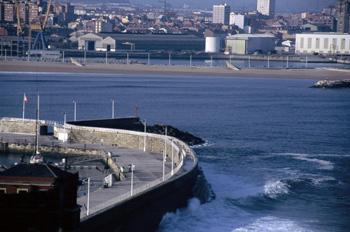 Rompiente puerto deportivo, Gijón, Principado de Asturias
