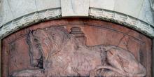 Detalle escultórico del Panteón de los Hombres Ilustres, Madrid