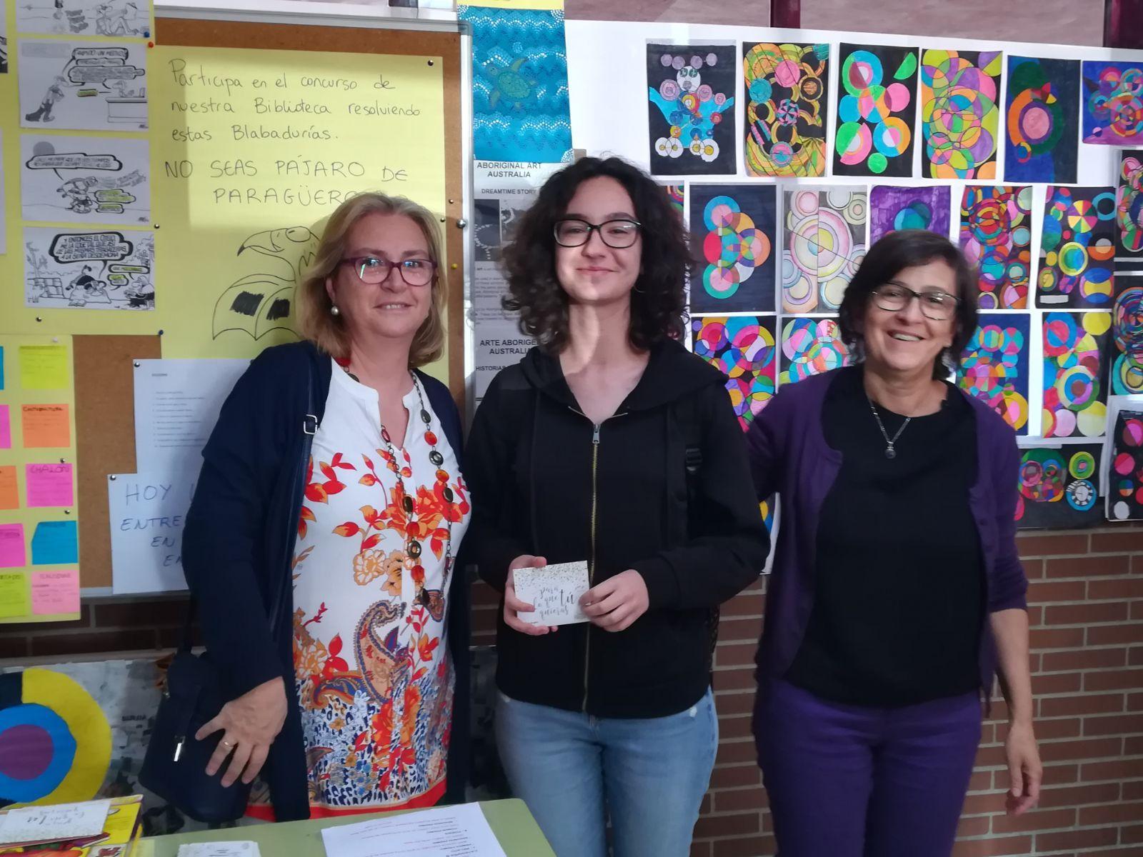 Entrega premios concurso literario y fotografía matemática 8