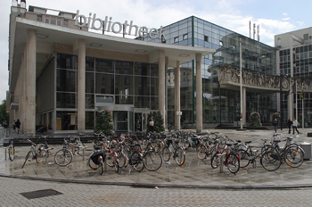 La Biblioteca, Wilsonplein, Gante, Bélgica