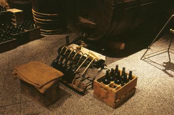 Máquina de caños para el llenado de botellas, Museo de la Sidra
