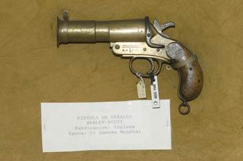 Pistola de señales Webley-Scott, Museo del Aire de Madrid