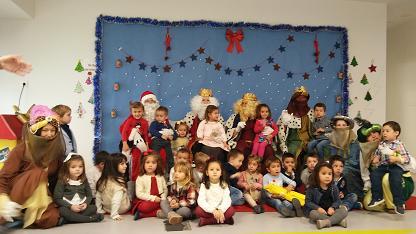 Los Reyes Magos visitan el colegio 10