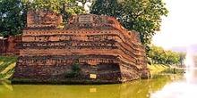 Una de las cuatro esquinas de la muralla medieval de Chiang Mai,
