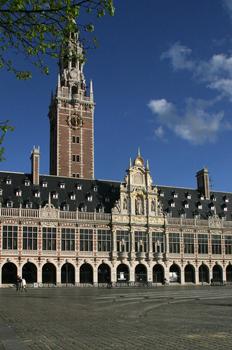 Fachada de la Biblioteca de la Universidad de Lovaina, Bélgica