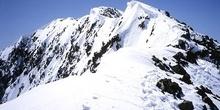 Arista y cima del pico Posets