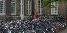 Bicicletas aparcadas, Lovaina, Bélgica
