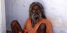 Retrato de hombre recostado, Pushkar, India