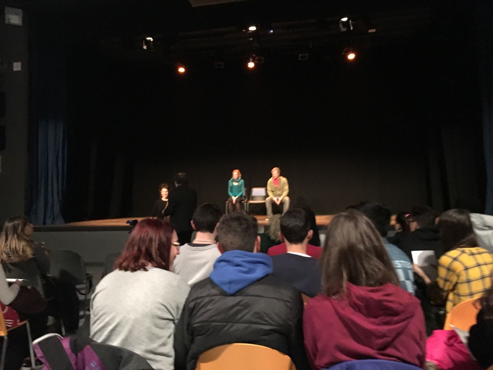 Amor en escena - Si es amor, no duele - Taller de teatro para la prevención de la violencia de género - Teatro que cura 1
