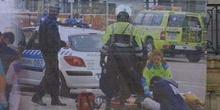 Ayuda de los cuerpos de seguridad y servicios sanitarios en el A