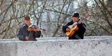 Músicos callejeros en Budapest, Hungría