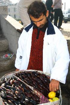 Vendedor de mejillones, Estambul, Turquía