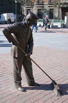 Estatua de barrendero, Madrid