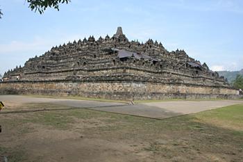 Esquina oeste, Templo Borobudur, Jogyakarta, Indonesia