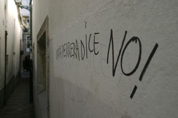 Pintada en la calle Entrerruas, Santiago de Compostela, La Coruñ