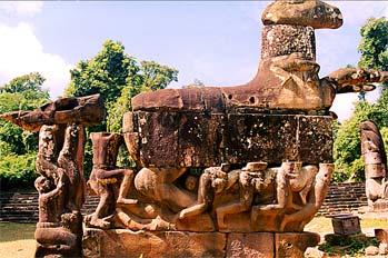 Caballo con piernas, Angkor, Camboya