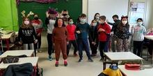 Villancico 4º D con coreografía en español y en inglés.