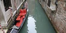 Góndola atracada, Venecia